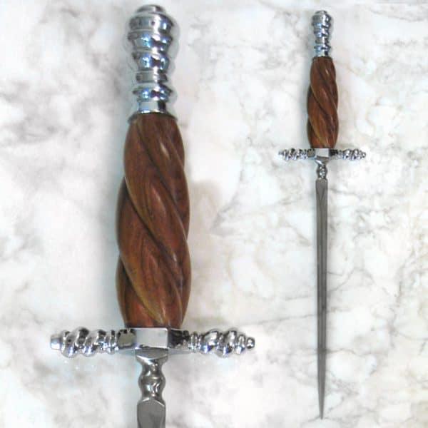 Venetsialainen stiletto -tikari