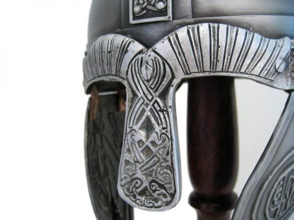Kohokuvioitu viikinkikypärä