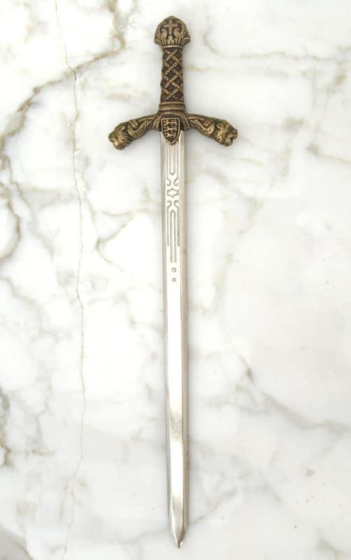 Rikhard Leijonamielen miekka –kirjeenavaaja