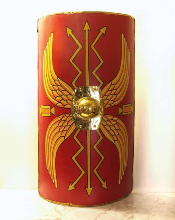 Klassinen roomalainen scutum
