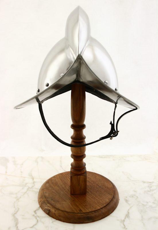 1500-luvun Morion -kypärä