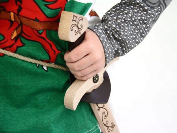 Lasten miekkavyö kannakkeella