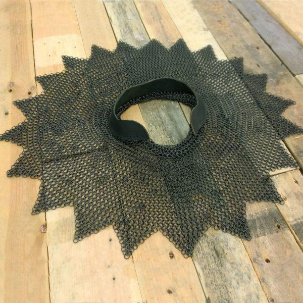 Aventail mustatuista renkaista