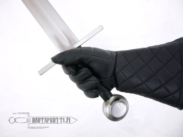 Keskiaikainen yhden käden harjoitusmiekka, 70cm terällä