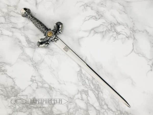 Oikeuden jumalattaren miekka –kirjeenavaaja