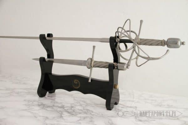 Pöytäteline kahdelle miekalle